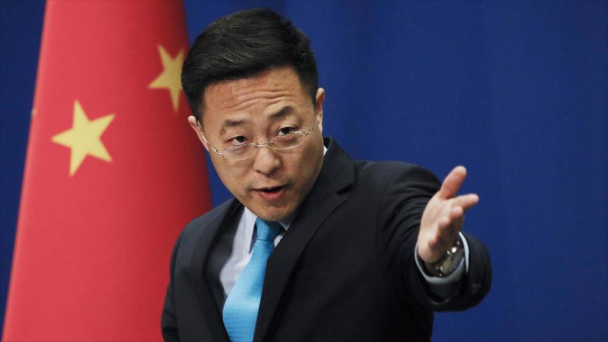 El portavoz de la Cancillería china, Zhao Lijian, en una rueda de prensa en Pekín, la capital.