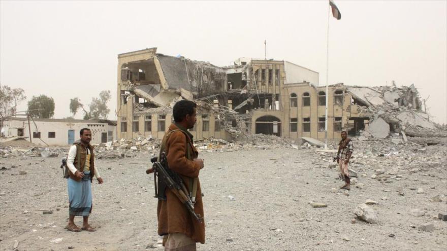 Un edificio destruido como consecuencia de un ataque saudí en la provincia yemení de Saada. (Foto: Reuters)
