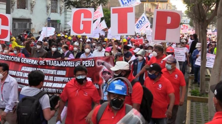 Sindicatos exigen la creación de una Asamblea Constituyente en Perú