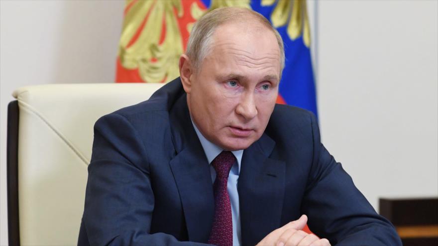 El presidente ruso, Vladimir Putin, en una reunión gubernamental vía telemática, cerca de Moscú, la capital, 18 de noviembre de 2020. (Foto: AFP)