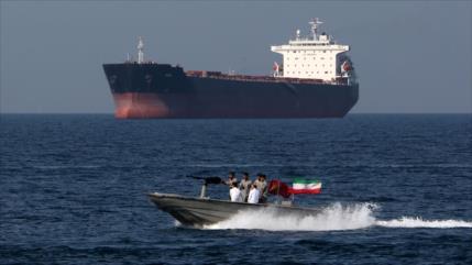 Irán captura petrolero extranjero en Golfo Pérsico por contrabando