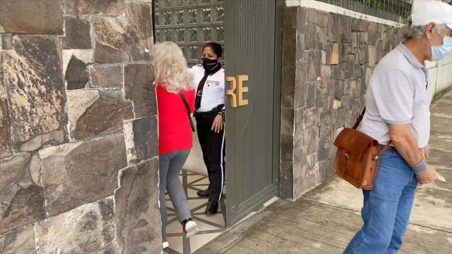 Guatemala planea cerrar 10 embajadas en el extranjero