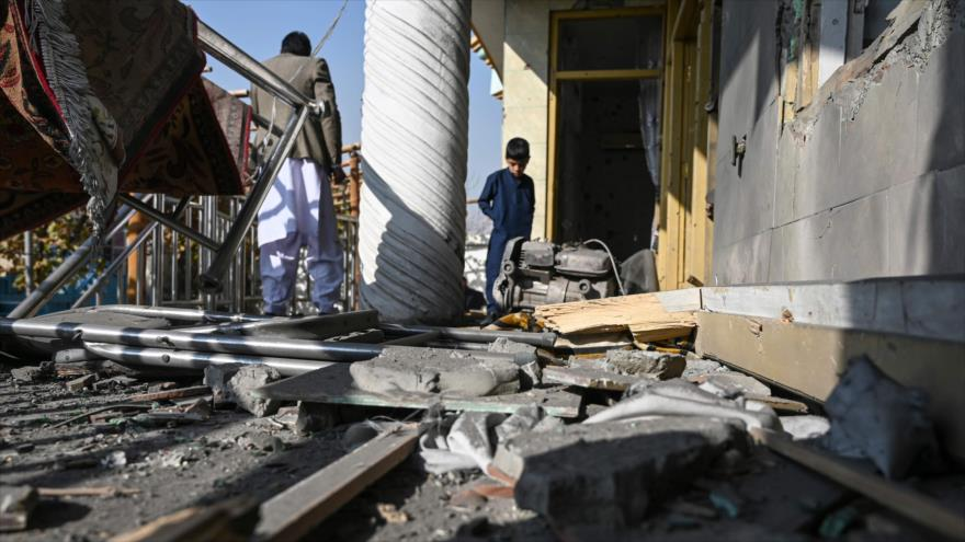 Ataques con minas y cohetes dejan varios muertos y heridos en Kabul