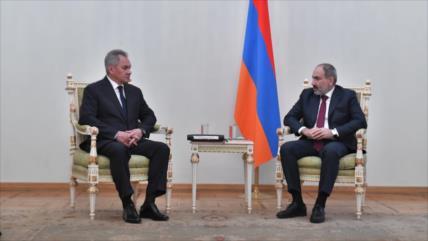 Armenia reforzará lazos militares con Rusia tras derrota en Karabaj