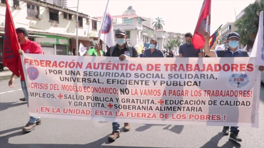 Panameños marchan por una educación más humana y de calidad