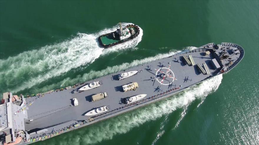 La nave transatlántica del Cuerpo de Guardianes de la Revolución Islámica (CGRI), llamada Mártir Rudaki, en el Golfo Pérsico, 19 de noviembre de 2020.