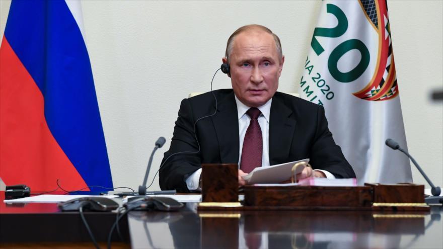 El presidente ruso, Vladimir Putin, asiste a la reunión virtual de la cumbre del G20 desde Moscú, capital rusa, 21 de noviembre de 2020. (Foto: AFP)