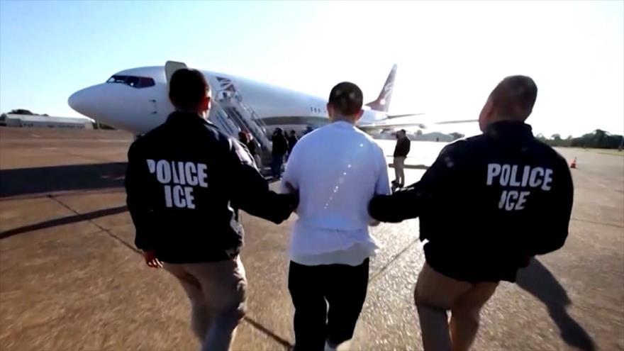 EEUU acelera autodeportaciones negando derechos a inmigrantes