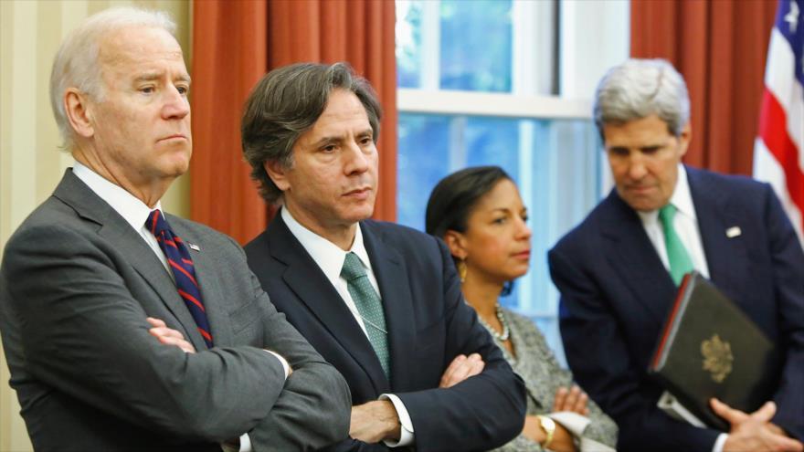 El entonces vicepresidente y ahora presidente electo de EE.UU., Joe Biden, (izq.) junto a Antony Blinken, Susan Rice y John Kerry en la Casa Blanca, 1 de noviembre de 2013. (Foto: Reuters)