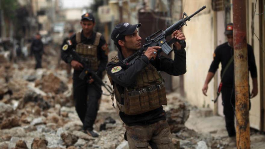 Un grupo de efectivos de las fuerzas de seguridad iraquíes durante una operación antiterrorista realizada en la provincia norteña de Mosúl.