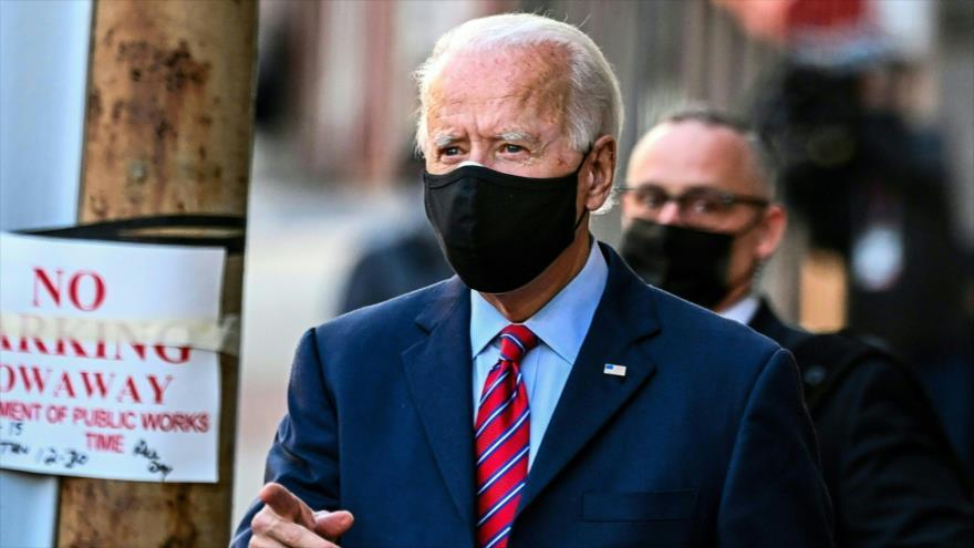 El presidente electo de EE.UU., Joe Biden, pasea por las calles de Wilmington, Delaware, 23 de noviembre de 2020. (Foto: AFP)