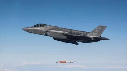 Vídeo desclasificado: F-35 de EEUU lanza bomba nuclear en Nevada