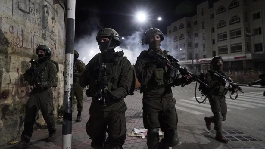 Los soldados israelíes participan en operaciones en Cisjordania.