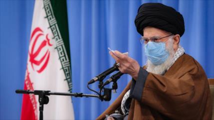 Líder de Irán elogia el rol de la Fuerza de la Resistencia Popular