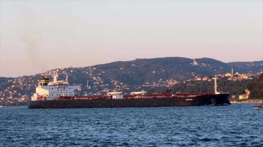 El buque cisterna griego MT Agrari.