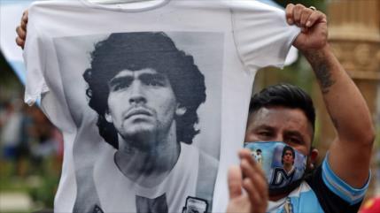 Vídeo: Maradona, más que un héroe en la cancha