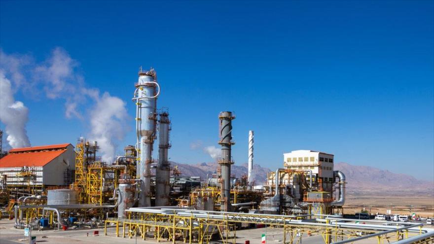 La planta petroquímica de Lordegán en la provincia de Chaharmahal y Bajtiarí (oeste de Irán), 26 de noviembre de 2020. (Foto: IRNA)