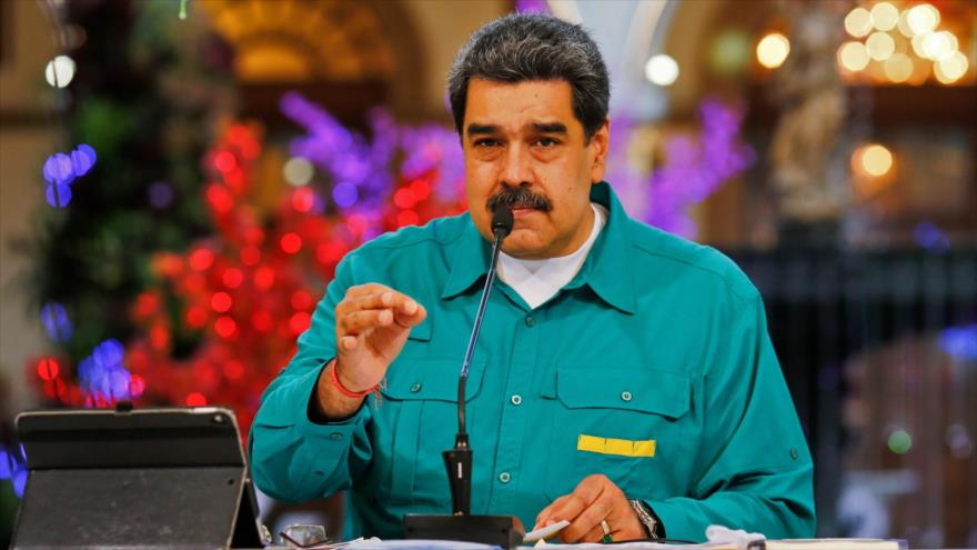 Presidente de Venezuela insta a los jóvenes a combatir el imperialismo