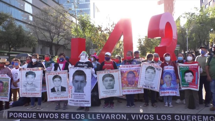Ayotzinapa puede dar un giro: Padres de familia