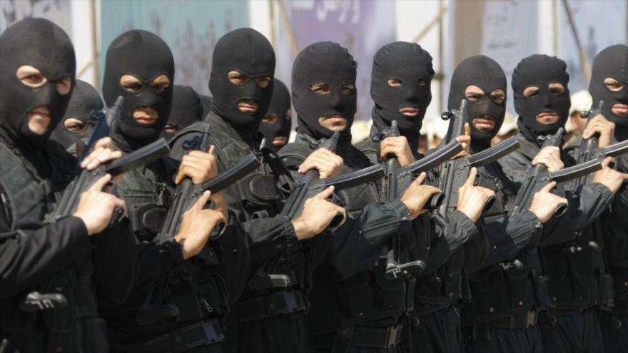 Fuerzas de seguridad iraníes en un desfile militar.