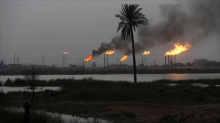 Daesh ataca con cohetes una gran refinería en el norte de Irak