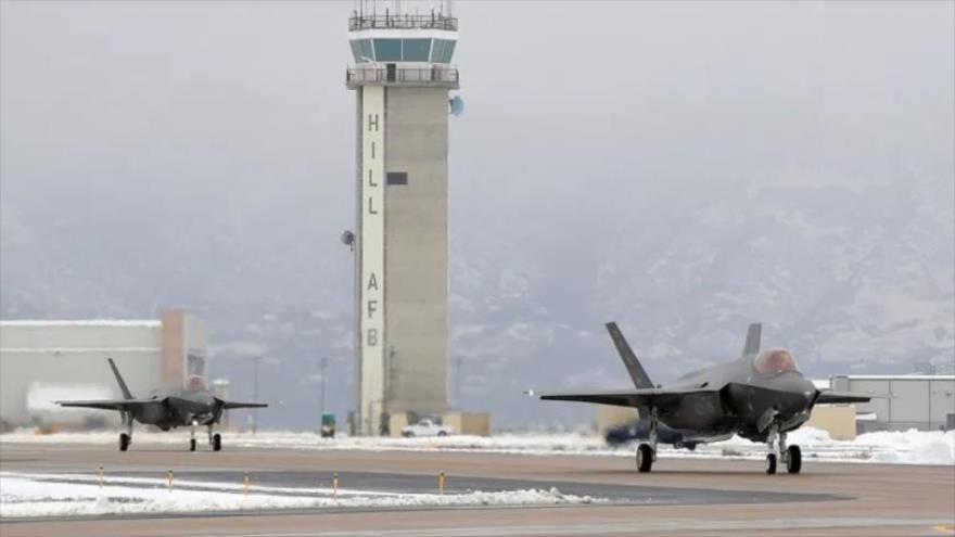 Aviones de combate F-35, de fabricación estadounidense, desplegados en la Base Aérea de Hill, 15 de abril de 2019.