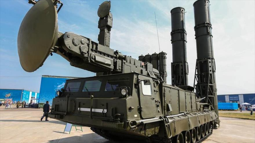 Un sistema de defensa antiaérea S-300V4 de fabricación rusa.