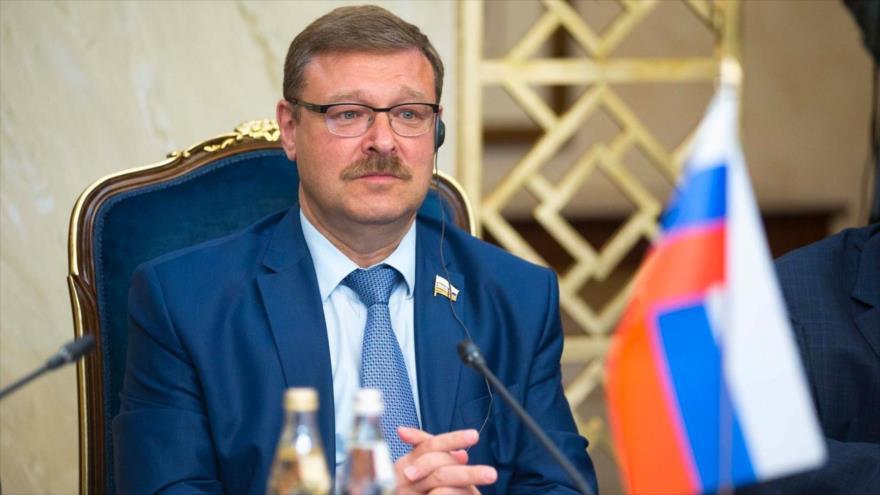 Konstantín Kosachev, jefe del comité internacional del Consejo de la Federación Rusa.