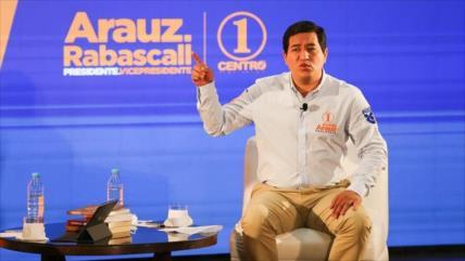 Arauz pide vigilancia tras retraso en aprobación de su candidatura