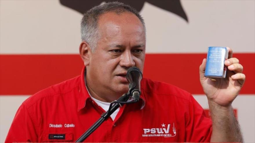 """Diosdado Cabello carga contra postura """"tibia"""" de Alberto Fernández"""