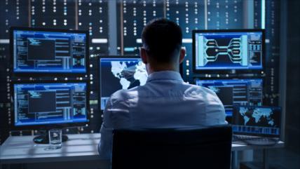 ¿Cuáles son los 25 países que espían teléfonos de sus ciudadanos?
