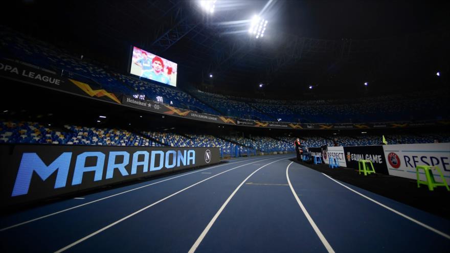 El estadio San Paolo de Nápoles cambia su nombre a Diego Armando Maradona, 26 de noviembre de 2020. (Foto: AFP)