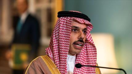 Riad insta a EEUU a consultarle su vuelta al pacto nuclear con Irán