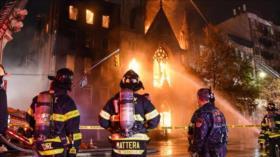 Vídeo: Grave incendio destruye una iglesia histórica de Nueva York