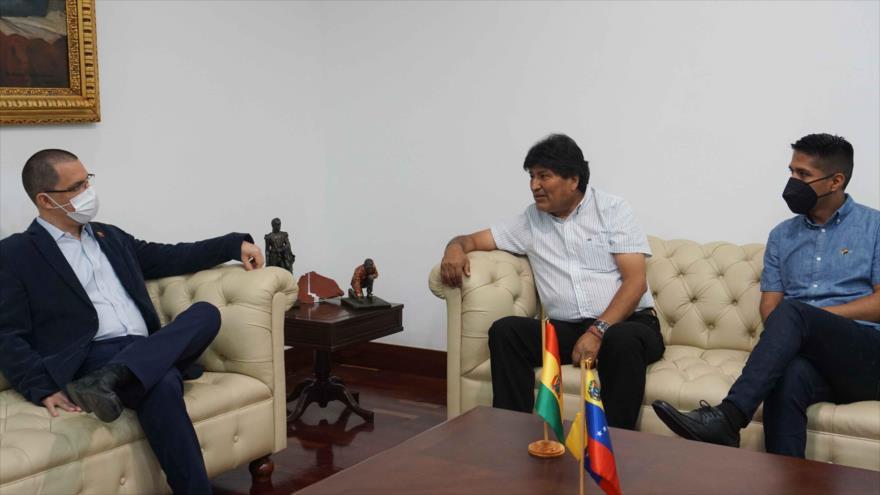 Morales, Lugo y Correa son veedores en parlamentarias de Venezuela