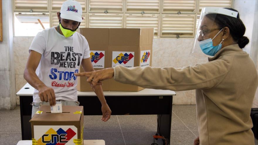 Veedores exigen a EEUU y la UE reconocer elecciones venezolanas | HISPANTV