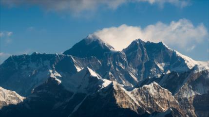Revelado: El monte Everest es más alto de lo que se pensaba