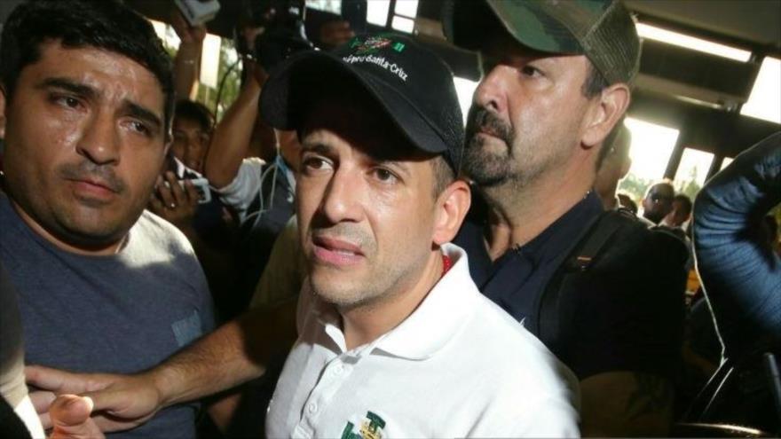 El líder opositor boliviano Luis Fernando Camacho (c), Santa Cruz, 6 de noviembre de 2019. (Foto: AFP)