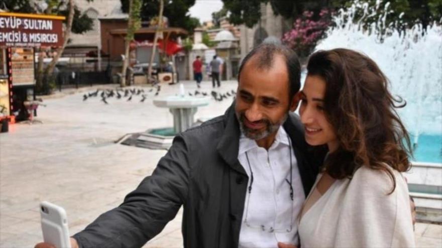El Dr. Walid Fitaihi y su hija Mariam aparecen en esta foto tomada en 2017.