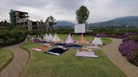 El Toque: Docente iraní se esfuerza por conseguir Internet 4G para estudiantes. Cine en carpas, seguridad en medio de COVID. Parque temático 'Nintendo World' en Japón