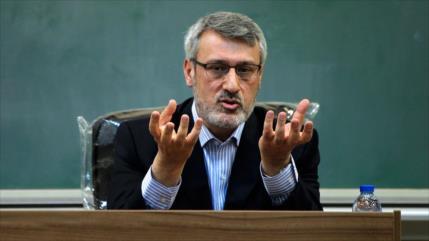 """Irán repudia informe """"hostil"""" de comité parlamentario británico"""