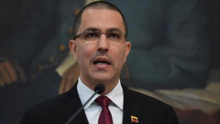 Arreaza critica victimización de la oposición venezolana
