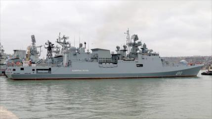 La fragata de Rusia Almirante Essen maniobra en Mediterráneo