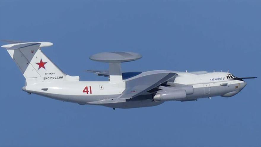 Un avión militar ruso A-50 en pleno vuelo cerca de las disputadas islas Dokdo (Takeshima en Japón), 23 de julo de 2019. (Foto: Rueters)