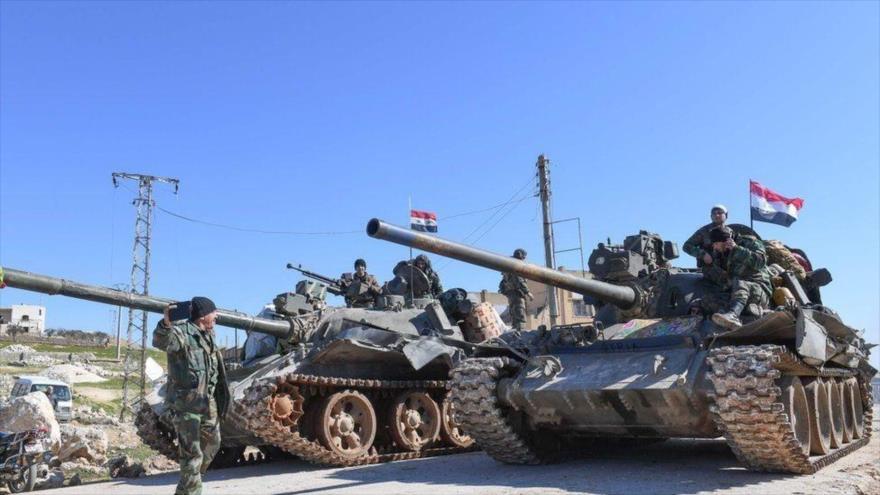 Tanques T-62 del Ejército sirio desplegados en el norte del país.