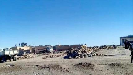 Aliados de EEUU arrasan con excavadoras casas sirias en Al-Hasaka