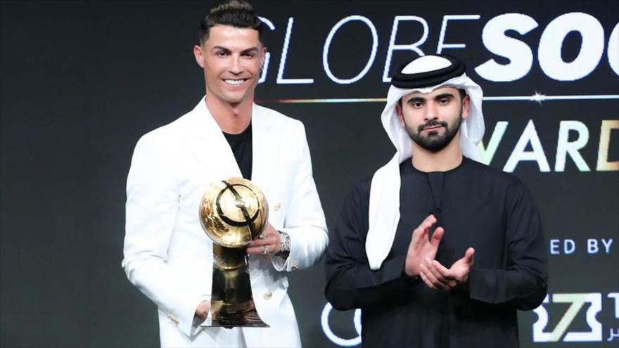 "Cristiano Ronaldo, nombrado como ""Jugador del Siglo"" en los Dubái Globe Soccer Awards, 27 de diciembre de 2020."