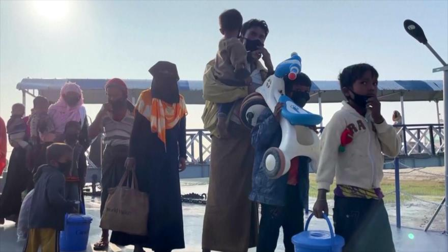 Bangladés traslada a nuevo grupo de Rohingya a una isla remota