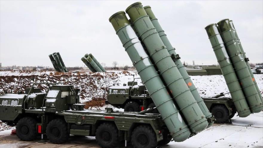 El sistema ruso de defensa antiaérea S-400.