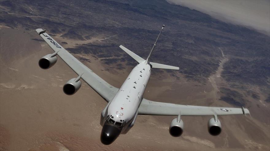 Avión espía de EEUU realiza vuelos mientras Pyongyang prepara desfile | HISPANTV